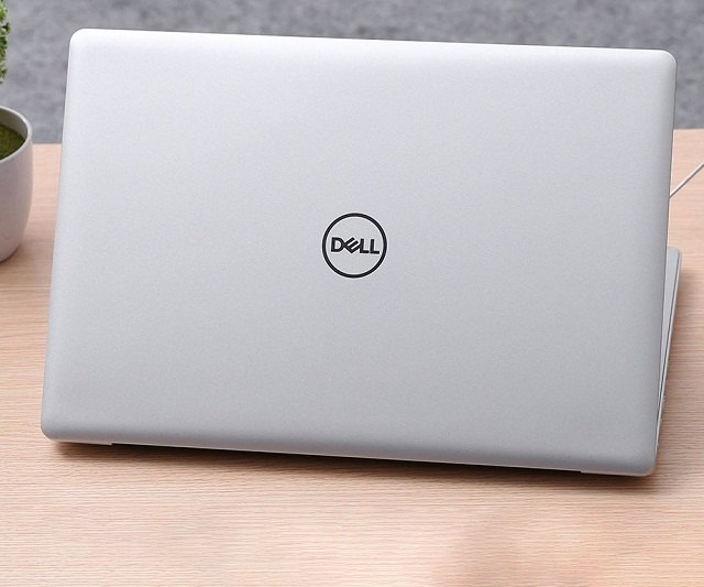 Laptop Dell Inspiron 5570-M5I5238W