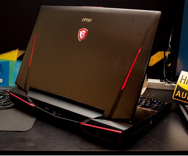Laptop MSI Titan GT83 8RG-037VN